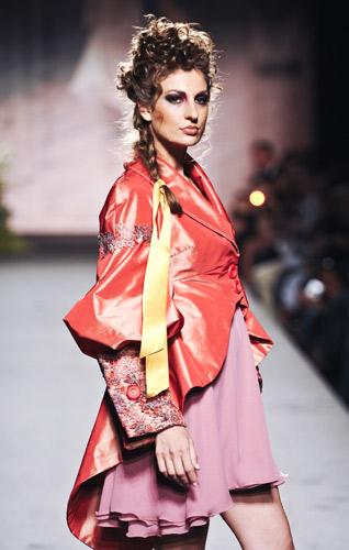 Giacca arancio Scuola di moda Ida Ferri, Autunno Inverno 2011 2012