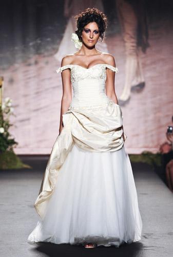 Abito da sposa Scuola di moda Ida Ferri, Autunno Inverno 2011 2012