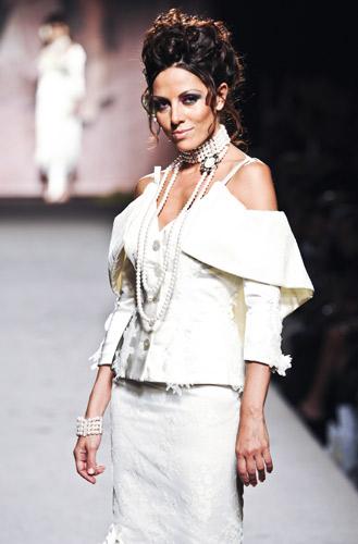 Collana di perle Scuola di moda Ida Ferri, Autunno Inverno 2011 2012
