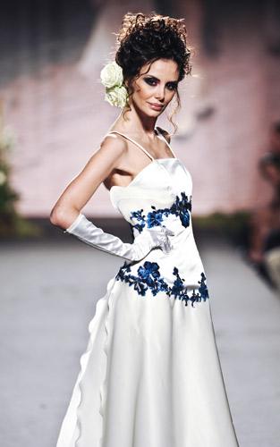 Ricami blu Scuola di moda Ida Ferri, Autunno Inverno 2011 2012