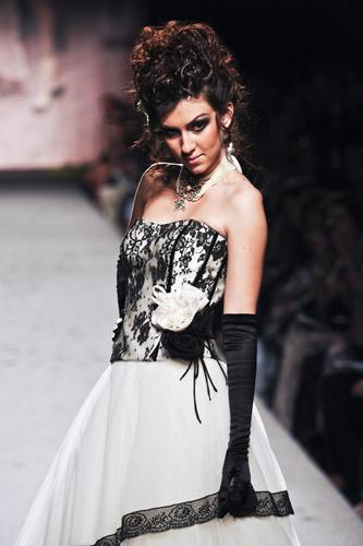 Pizzo nero Scuola di moda Ida Ferri, Autunno Inverno 2011 2012