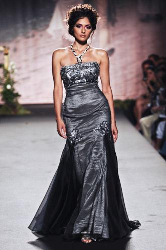Velo nero e applicazioni Scuola di moda Ida Ferri, Autunno Inverno 2011 2012
