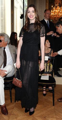 Anne Hathaway sfilata Valentino