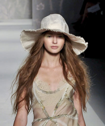 Cappello Alberta Ferretti Primavera Estate 2011