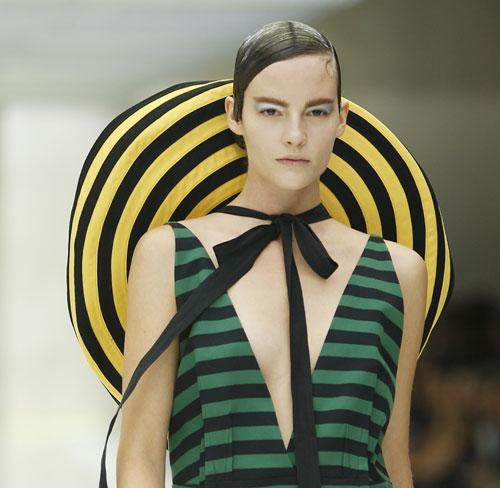 Cappello Prada Primavera Estate 2011