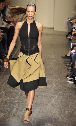 Donna Karan abito asimmetrico