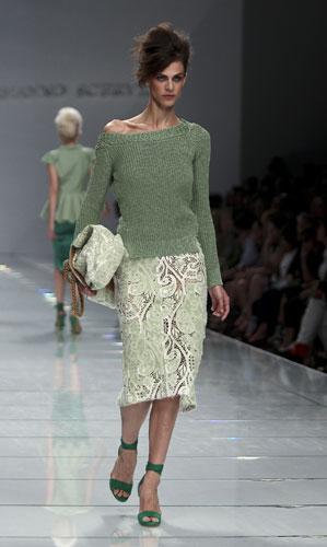 Ermanno Scervino: Maglia Verde - Gonna Bianca - Scarpe Verdi