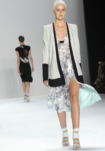 Narciso Rodriguez abito e blazer