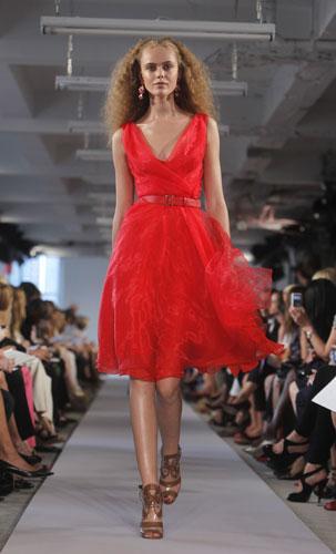 Oscar de la Renta abito corto rosso