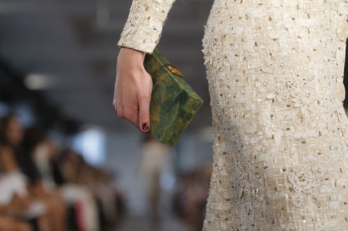 Oscar de la Renta dettaglio borsa e abito