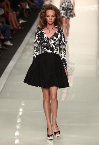 Roccobarocco: abito bianco e nero stampe