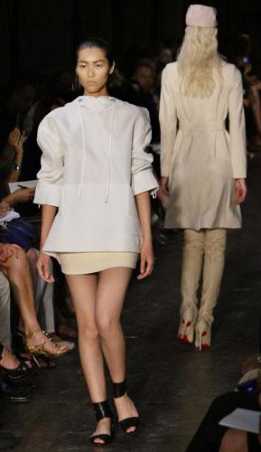Victoria Beckham casacca bianca