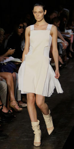 Victoria Beckham abito corto