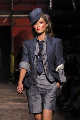 Vivienne Westwood completo cravatta