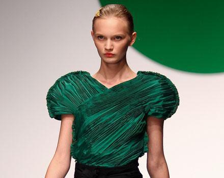 Krizia: abito plissettato - maniche palloncino