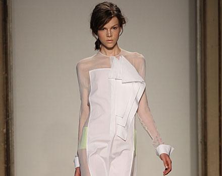 Gabriele Colangelo: abito bianco - trasparenze