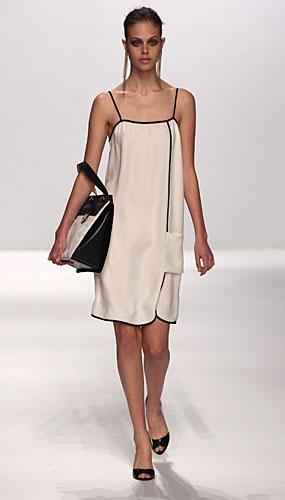 Alviero Martini: abito bianco bretelline - maxi borsa