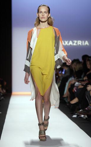 Max Azria abito ocra
