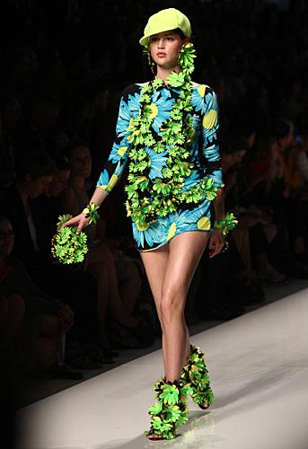 Blumarine: abito fiori maniche lunghe