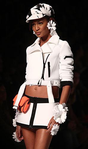 Blumarine: mini gonna - giacca bianco nera