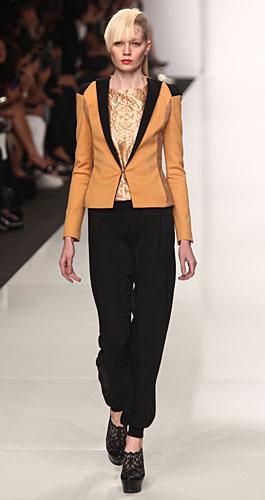 Byblos: giacca senape - revers neri