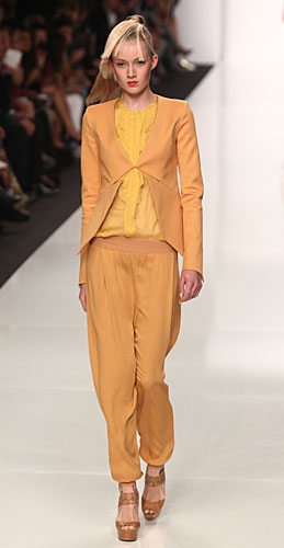 Byblos: completo pantalone senape