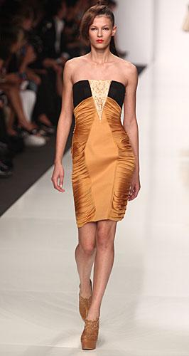 Byblos: abito tubino plissettato