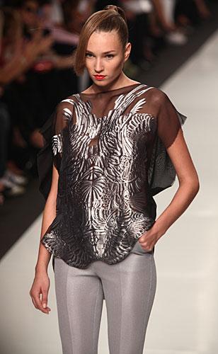 Byblos: abiti argento - maglia nero argento