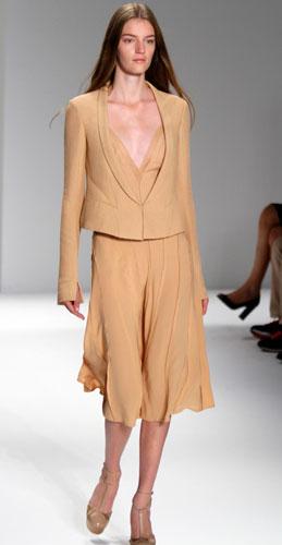 Calvin Klein: Tailleur