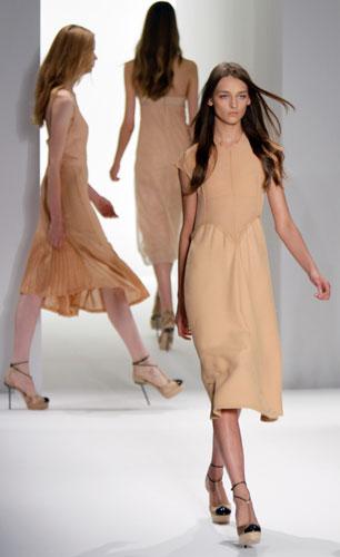 Calvin Klein: Abito Corto Beige