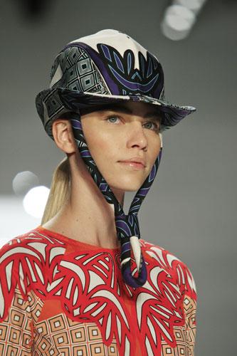 Derek Lam cappello