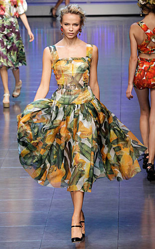 Dolce  amp  Gabbana  Abito con stampe giallo 9a5c145e30b