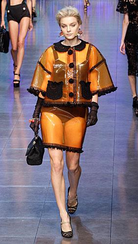 Dolce & Gabbana: Completo giallo - Borsa a mano