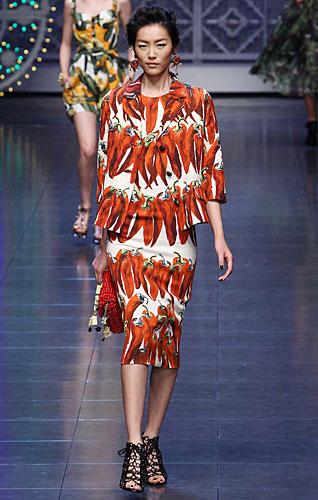 Dolce & Gabbana: Completo gonna fantasia peperoncino