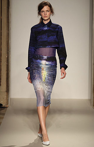 Gabriele Colangelo: giacchina blu - gonna