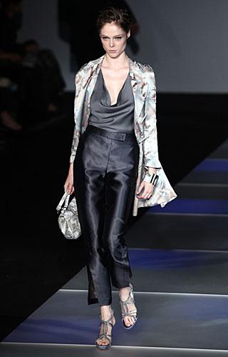 Giorgio Armani: Pantaloni vita alta - giacca