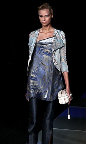 Giorgio Armani: Maglia lunga - giacchina - borsa