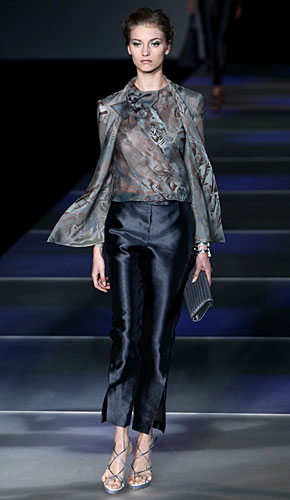 Giorgio Armani: Maglia - coprispalle - pantaloni