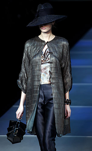 Giorgio Armani: Cappello - giacca lunga