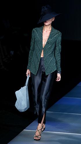 Giorgio Armani: Cappello - giacca - pantaloni