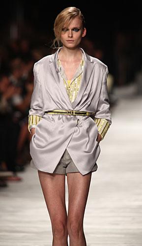 Iceberg: giacca cintura in vita - shorts