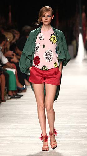 Iceberg: shorts rossi - maglia fiori