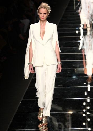 John Richmond: completo giacca pantalone bianco