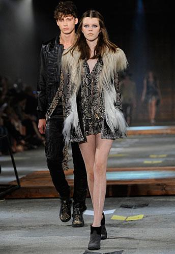 Just Cavalli: giacca pelo - abito corto