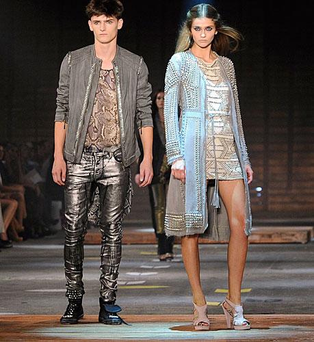 Just Cavalli: pantaloni argento - abito corto