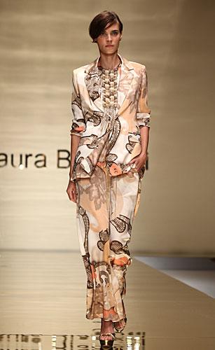 Laura Biagiotti: completo giacca pantalone fantasia