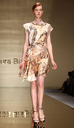 Laura Biagiotti: abito corto fantasia - collo pietre