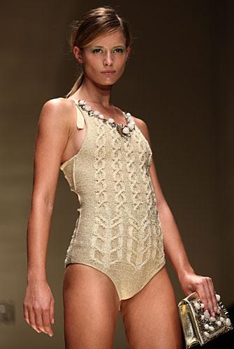 Laura Biagiotti: costume intero beige