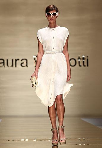 Laura Biagiotti: occhiali sole - abito chemisier