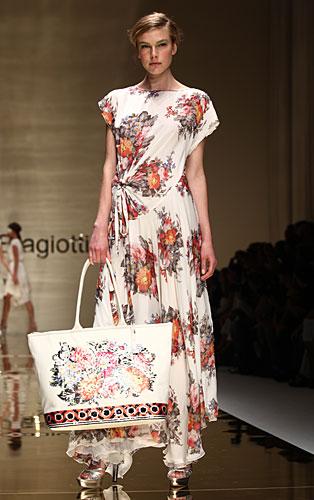 Laura Biagiotti: abito lungo - maxi borsa fiori